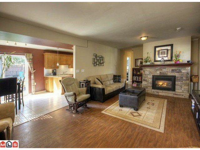 Photo 6: Photos: 17078 JERSEY Drive in Surrey: Cloverdale BC House for sale (Cloverdale)  : MLS®# F1007106