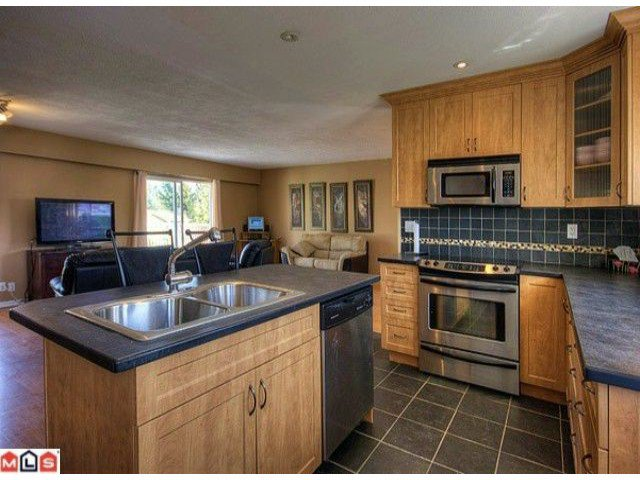 Photo 3: Photos: 17078 JERSEY Drive in Surrey: Cloverdale BC House for sale (Cloverdale)  : MLS®# F1007106