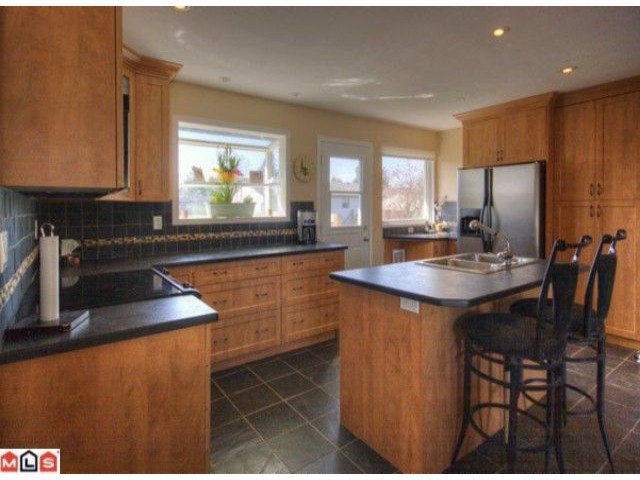 Photo 2: Photos: 17078 JERSEY Drive in Surrey: Cloverdale BC House for sale (Cloverdale)  : MLS®# F1007106