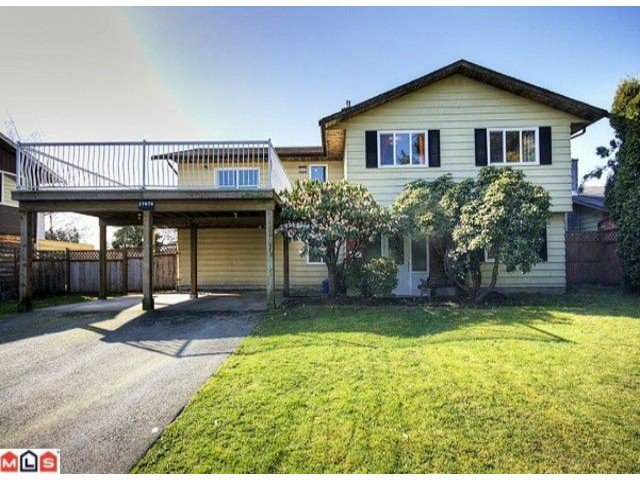 Main Photo: 17078 JERSEY Drive in Surrey: Cloverdale BC House for sale (Cloverdale)  : MLS®# F1007106