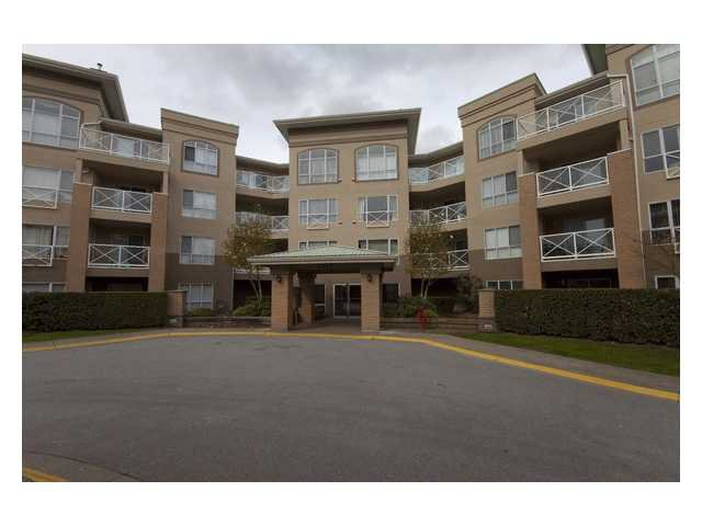 "Main Photo: 313 2551 PARKVIEW Lane in Port Coquitlam: Central Pt Coquitlam Condo for sale in ""THE CRESENT"" : MLS®# V820015"