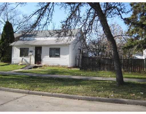 Main Photo: 422 MARJORIE Street in WINNIPEG: St James Residential for sale (West Winnipeg)  : MLS®# 2821034