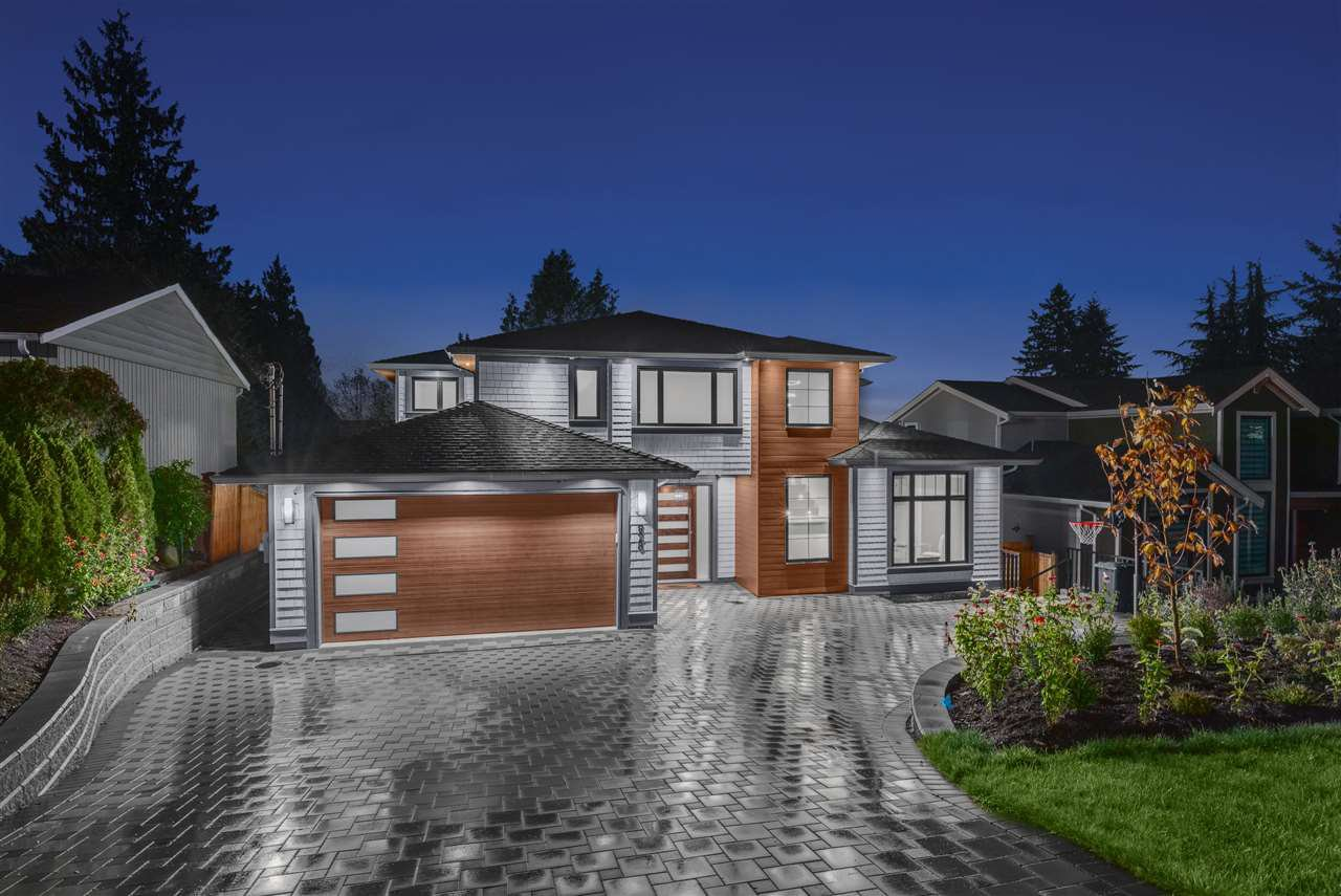 Main Photo: 828 FAIRWAY Drive in North Vancouver: Dollarton House for sale : MLS®# R2413941