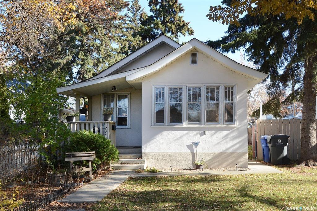 Main Photo: 1234 G Avenue North in Saskatoon: Mayfair Residential for sale : MLS®# SK789618