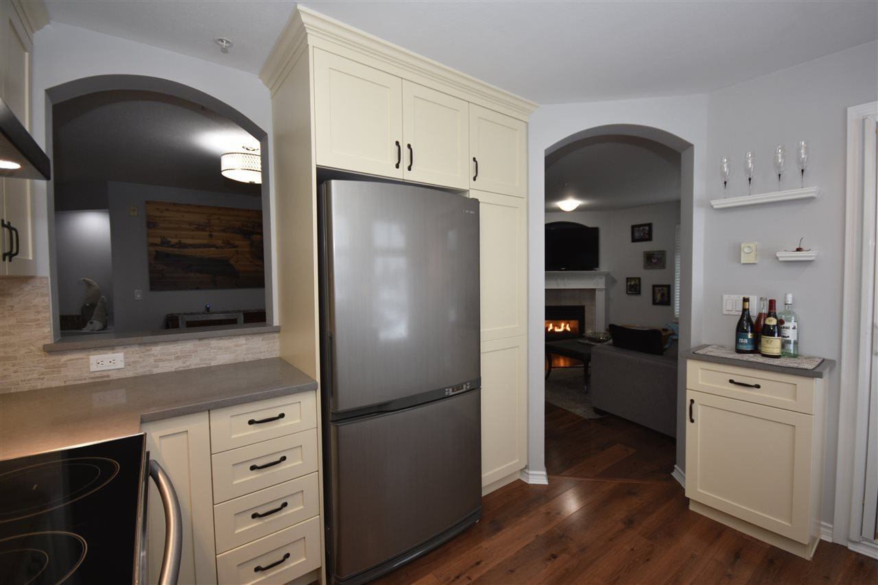 "Photo 9: Photos: 315 4770 52A Street in Delta: Delta Manor Condo for sale in ""WESTHAM LANE"" (Ladner)  : MLS®# R2434441"