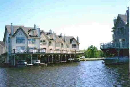 Main Photo: 11 100 Laguna Parkway in Lagoon City: Condo for sale (X17: ANTEN MILLS)  : MLS®# X1438508