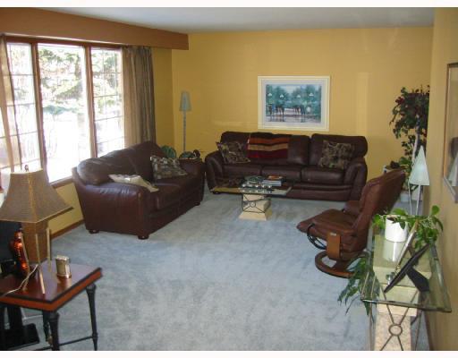 Photo 3: Photos: 12 KIRKWALL Crescent in WINNIPEG: North Kildonan Residential for sale (North East Winnipeg)  : MLS®# 2803140