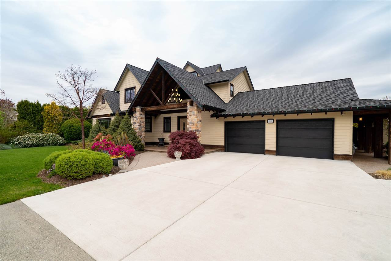 Main Photo: 5966 243 Street in Langley: Salmon River House for sale : MLS®# R2452315