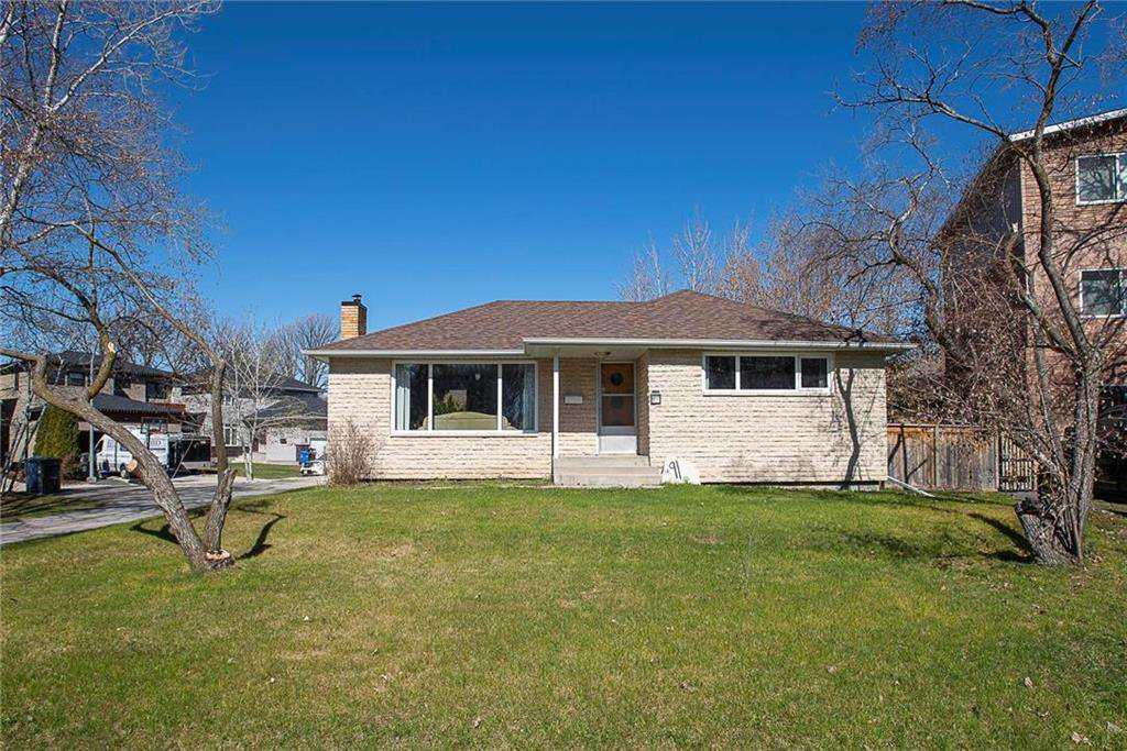 Main Photo: 91 Riverbend Avenue in Winnipeg: Residential for sale (2C)  : MLS®# 202009911