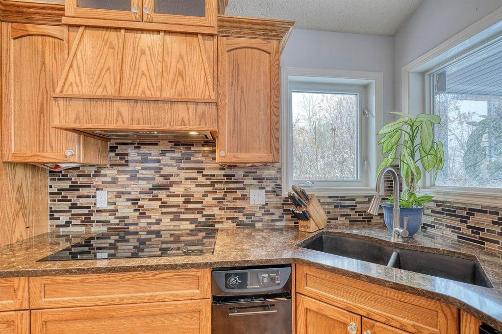 Photo 7: Photos: 347 Patterson Boulevard SW in Calgary: Patterson Detached for sale : MLS®# A1049515