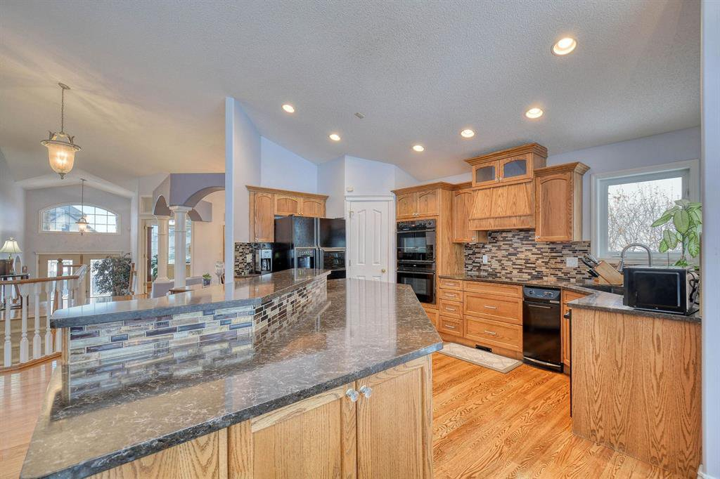 Photo 5: Photos: 347 Patterson Boulevard SW in Calgary: Patterson Detached for sale : MLS®# A1049515