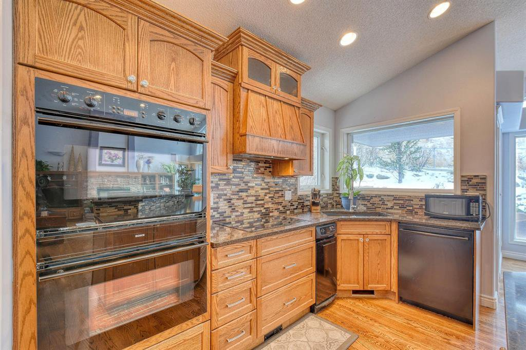 Photo 6: Photos: 347 Patterson Boulevard SW in Calgary: Patterson Detached for sale : MLS®# A1049515