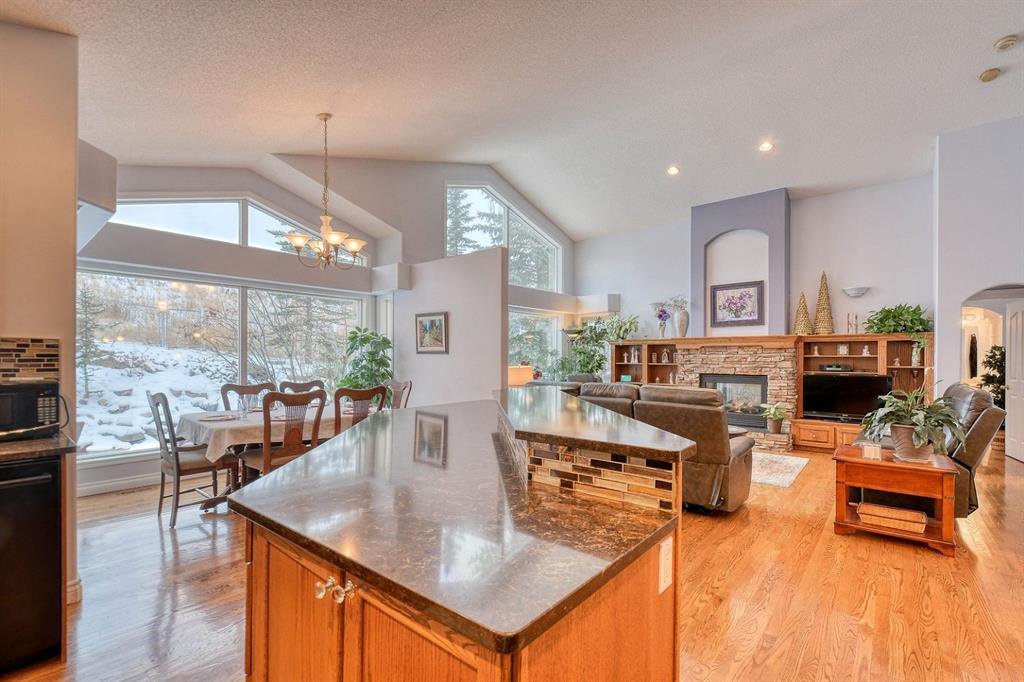 Photo 12: Photos: 347 Patterson Boulevard SW in Calgary: Patterson Detached for sale : MLS®# A1049515
