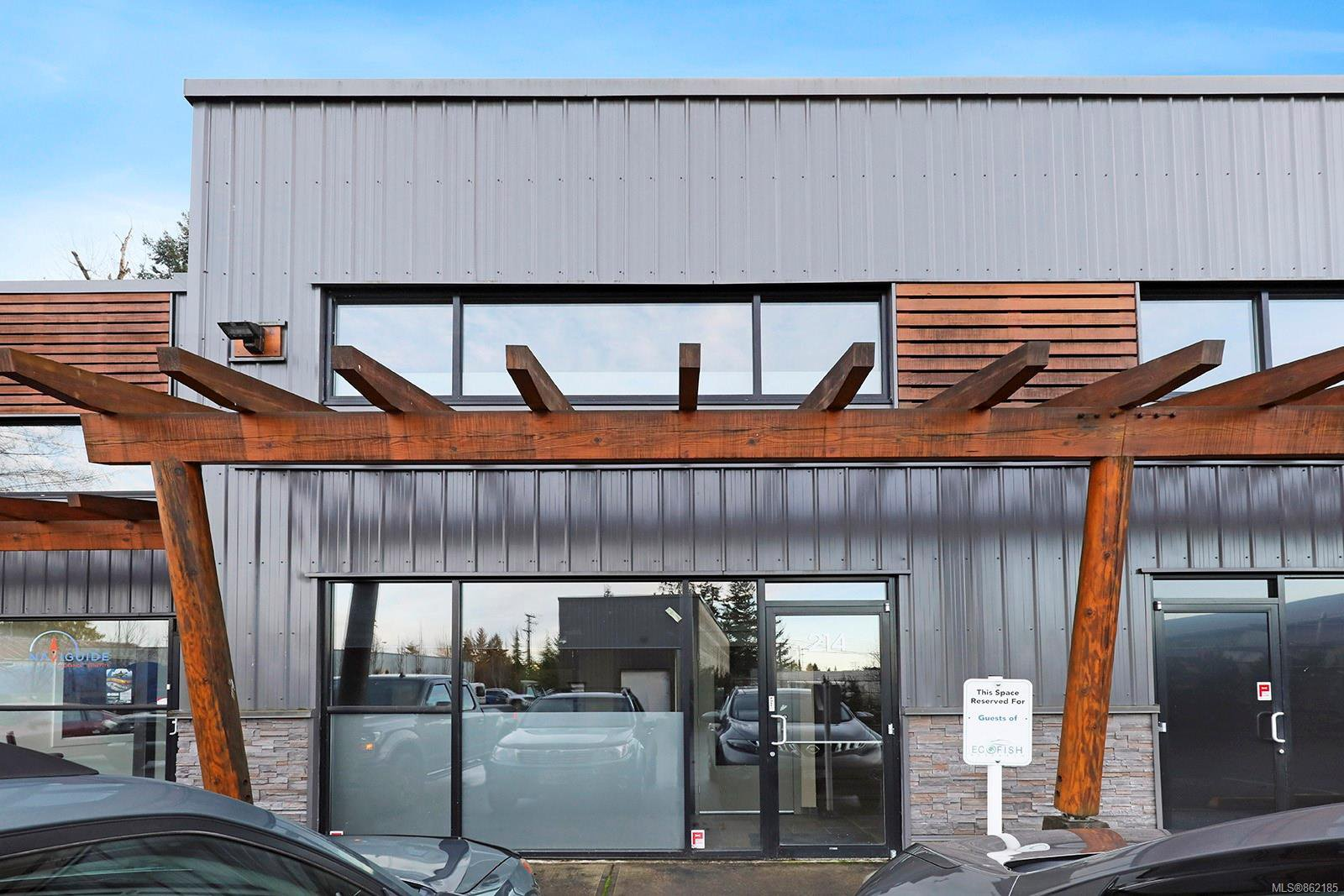 Main Photo: 214B 2459 Cousins Ave in : CV Courtenay City Office for lease (Comox Valley)  : MLS®# 862185