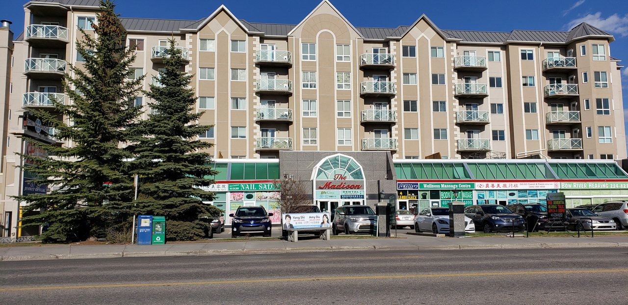 Main Photo: 1518 CENTER Street N.E in CALGARY: Commercial for sale or lease (Calgary)  : MLS®# C4247750
