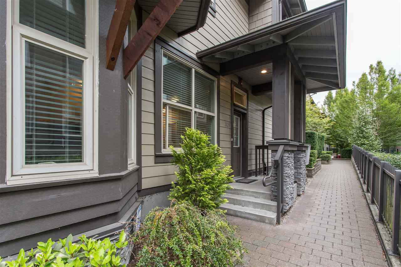 Main Photo: 309 E 15TH STREET in North Vancouver: Central Lonsdale Townhouse for sale : MLS®# R2413029