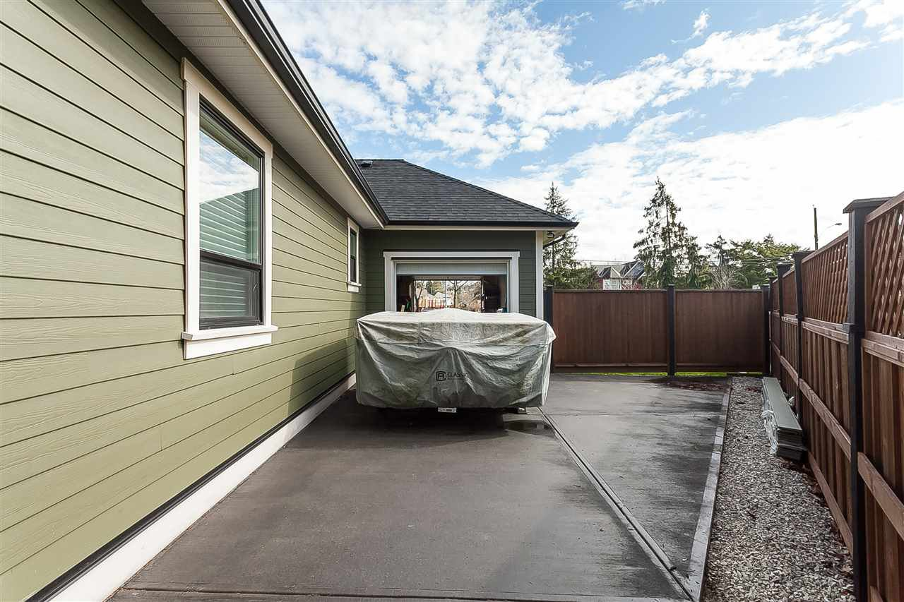 Photo 20: Photos: 4927 215 Street in Langley: Murrayville House for sale : MLS®# R2443426