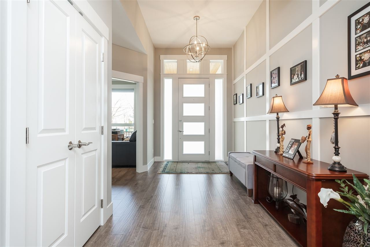 Photo 3: Photos: 4927 215 Street in Langley: Murrayville House for sale : MLS®# R2443426