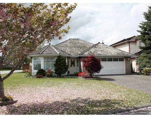 "Main Photo: 5017 CRESCENT Place in Ladner: Holly House for sale in ""CRESCENT ESTATES"" : MLS®# V767445"