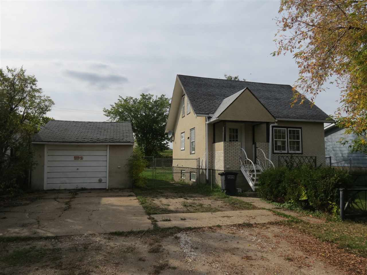 Main Photo: 4712 49 Street: Redwater House for sale : MLS®# E4173774