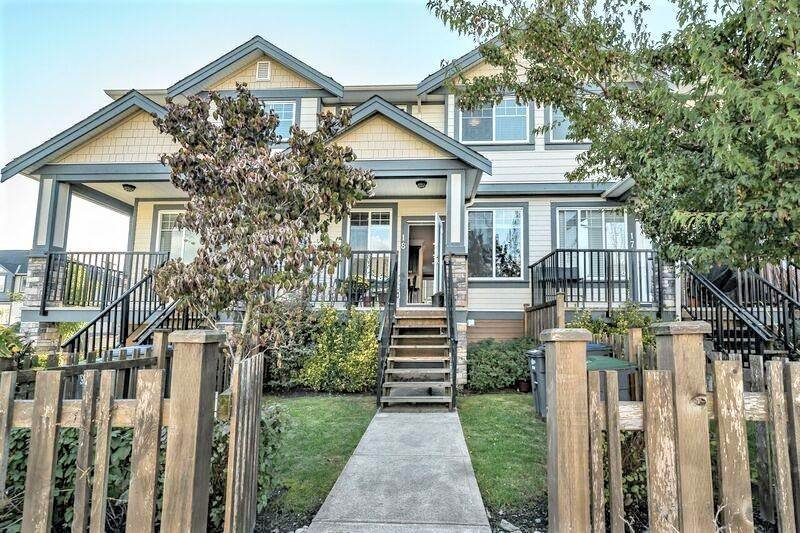 """Main Photo: 18 18819 71 Avenue in Surrey: Clayton Townhouse for sale in """"JOI"""" (Cloverdale)  : MLS®# R2460799"""