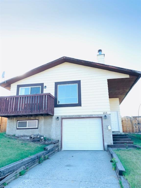 Main Photo: 103 Bernard Mews NW in Calgary: Beddington Heights Detached for sale : MLS®# A1021579