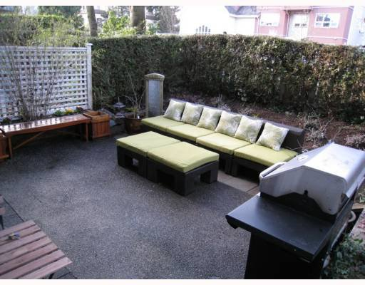 "Main Photo: 104 876 W 14TH Avenue in Vancouver: Fairview VW Condo for sale in ""WINDGATE LAUREL"" (Vancouver West)  : MLS®# V760863"