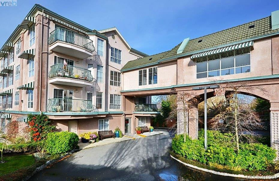 Main Photo: 303 3133 Tillicum Road in VICTORIA: SW Tillicum Condo Apartment for sale (Saanich West)  : MLS®# 419394