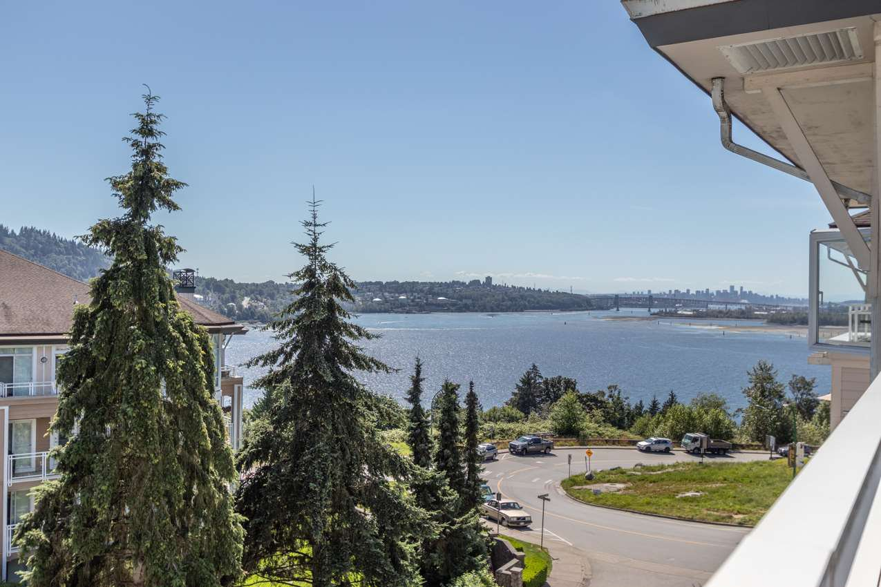 Main Photo: 505 3608 DEERCREST DRIVE in North Vancouver: Roche Point Condo for sale : MLS®# R2488419