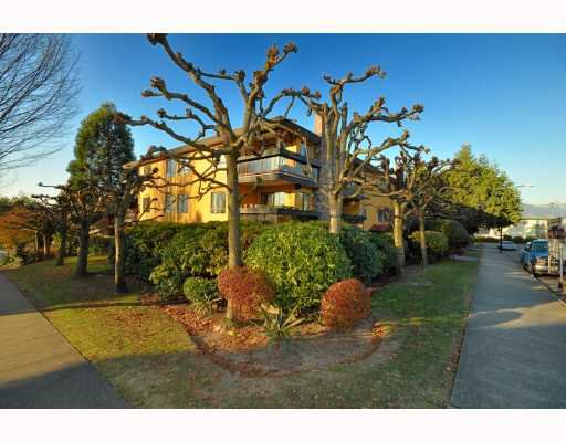 "Main Photo: 203 215 N TEMPLETON Drive in Vancouver: Hastings Condo for sale in ""PORTO VISTA"" (Vancouver East)  : MLS®# V797867"