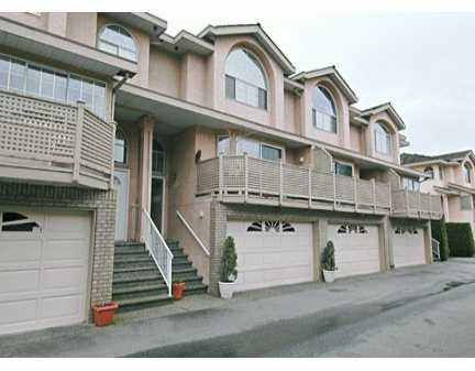 "Main Photo: 34 22488 116TH AV in Maple Ridge: East Central Townhouse for sale in ""RICHMOND HILL"" : MLS®# V580846"