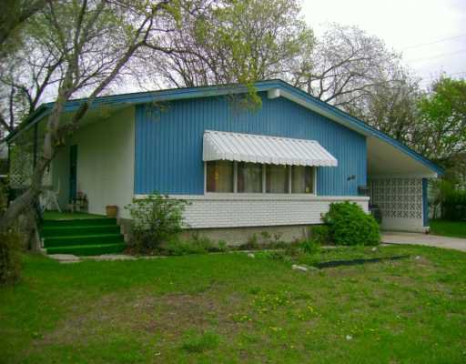 Main Photo: 60 JOLLIETT Crescent in WINNIPEG: Westwood / Crestview Single Family Detached for sale (West Winnipeg)  : MLS®# 2707198