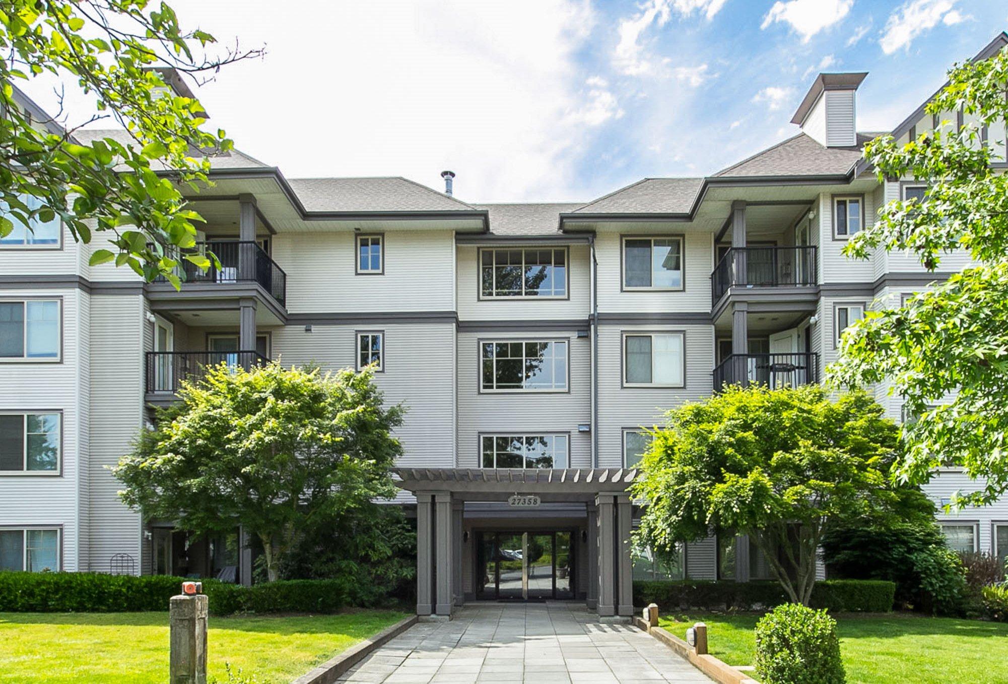 "Main Photo: 130 27358 32 Avenue in Langley: Aldergrove Langley Condo for sale in ""Willow Creek Estates III"" : MLS®# R2410157"