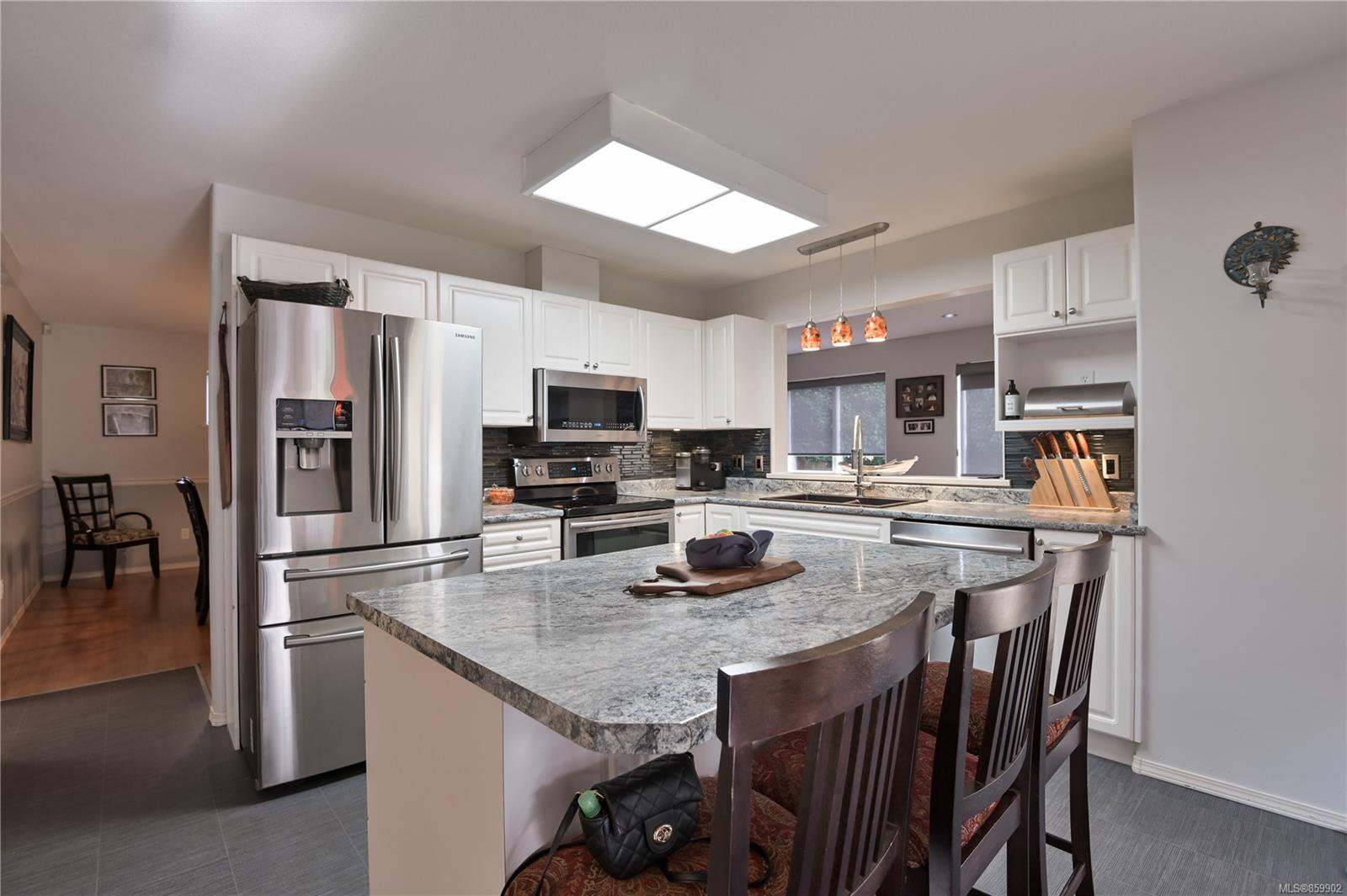 Main Photo: 2765 Bradford Dr in : CR Willow Point House for sale (Campbell River)  : MLS®# 859902