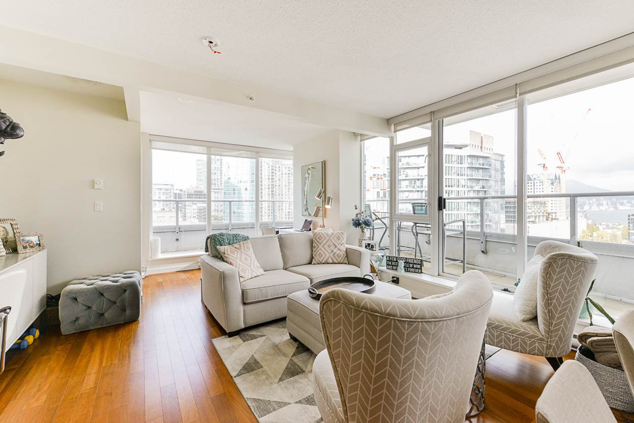 """Main Photo: 1802 821 CAMBIE Street in Vancouver: Downtown VW Condo for sale in """"Raffles on Robson"""" (Vancouver West)  : MLS®# R2527841"""