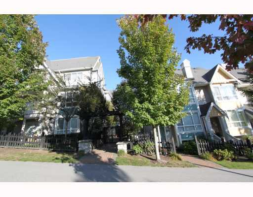 Main Photo: 7372 HAWTHORNE Terrace in Burnaby: Highgate Townhouse for sale (Burnaby South)  : MLS®# V792050
