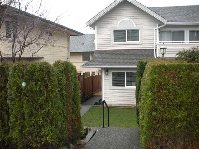 Main Photo: 211 E 4TH Street in North Vancouver: Lower Lonsdale Townhouse for sale : MLS®# V865398