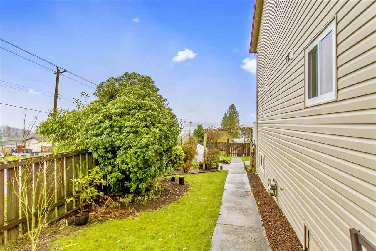 Photo 18: Photos: 1028 DELESTRE Avenue in Coquitlam: Maillardville 1/2 Duplex for sale : MLS®# R2441710