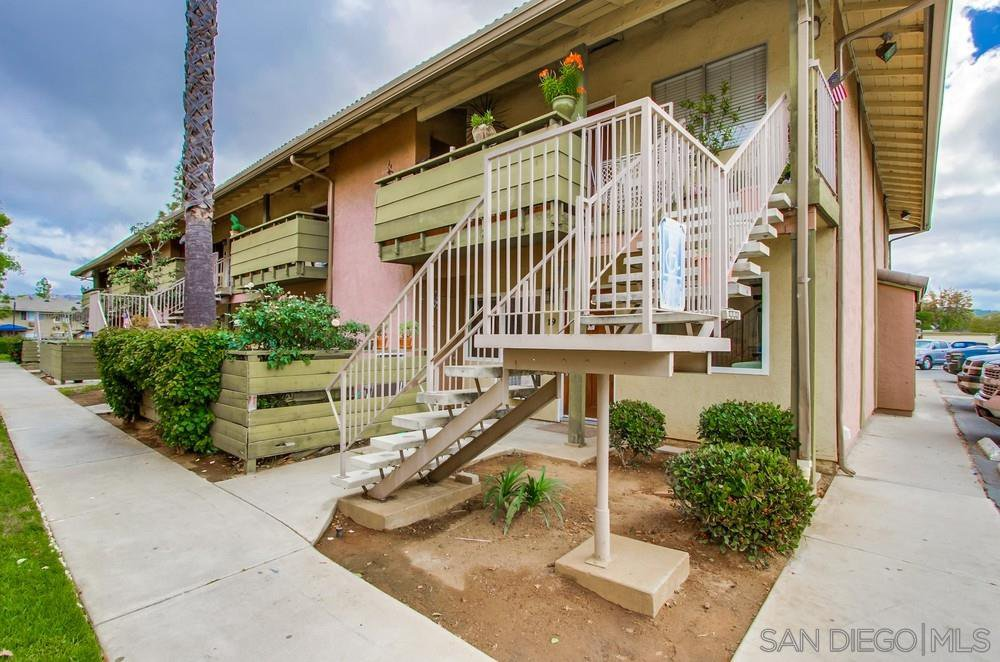 Main Photo: EAST ESCONDIDO Condo for sale : 2 bedrooms : 2041 E Grand Ave #19 in Escondido