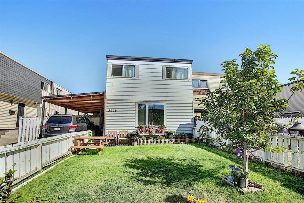 Main Photo: 3906 29A Avenue SE in Calgary: Dover Duplex for sale : MLS®# A1031783