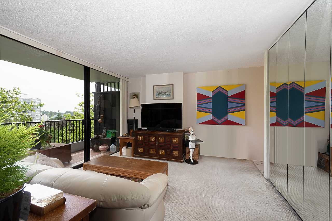 """Main Photo: 403 650 16TH Street in West Vancouver: Ambleside Condo for sale in """"Westshore Place"""" : MLS®# R2516222"""