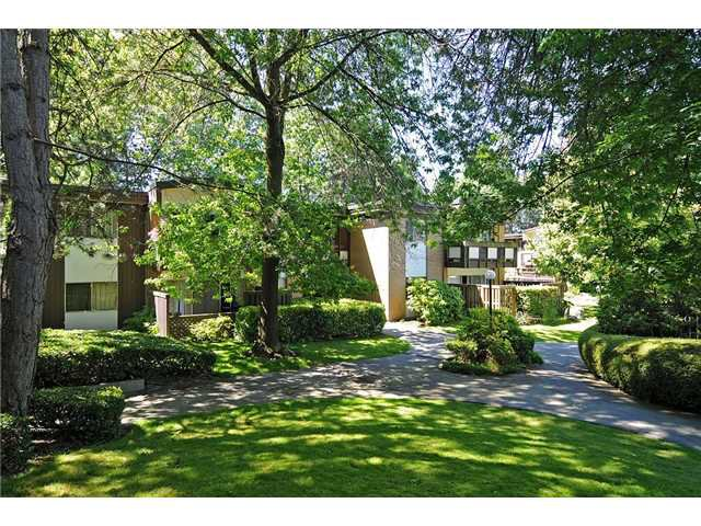 """Main Photo: 8 5515 OAK Street in Vancouver: Shaughnessy Condo for sale in """"Shawnoaks"""" (Vancouver West)  : MLS®# V860014"""