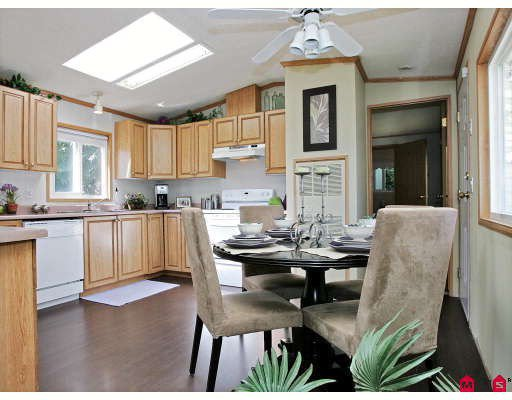 "Photo 2: Photos: 16 9970 WILSON Street in Mission: Mission-West Manufactured Home for sale in ""RUSKIN PARK"" : MLS®# F2823125"