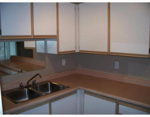 "Photo 4: Photos: 408 11671 FRASER Street in Maple_Ridge: East Central Condo for sale in ""BELMAR TERRACE"" (Maple Ridge)  : MLS®# V746656"