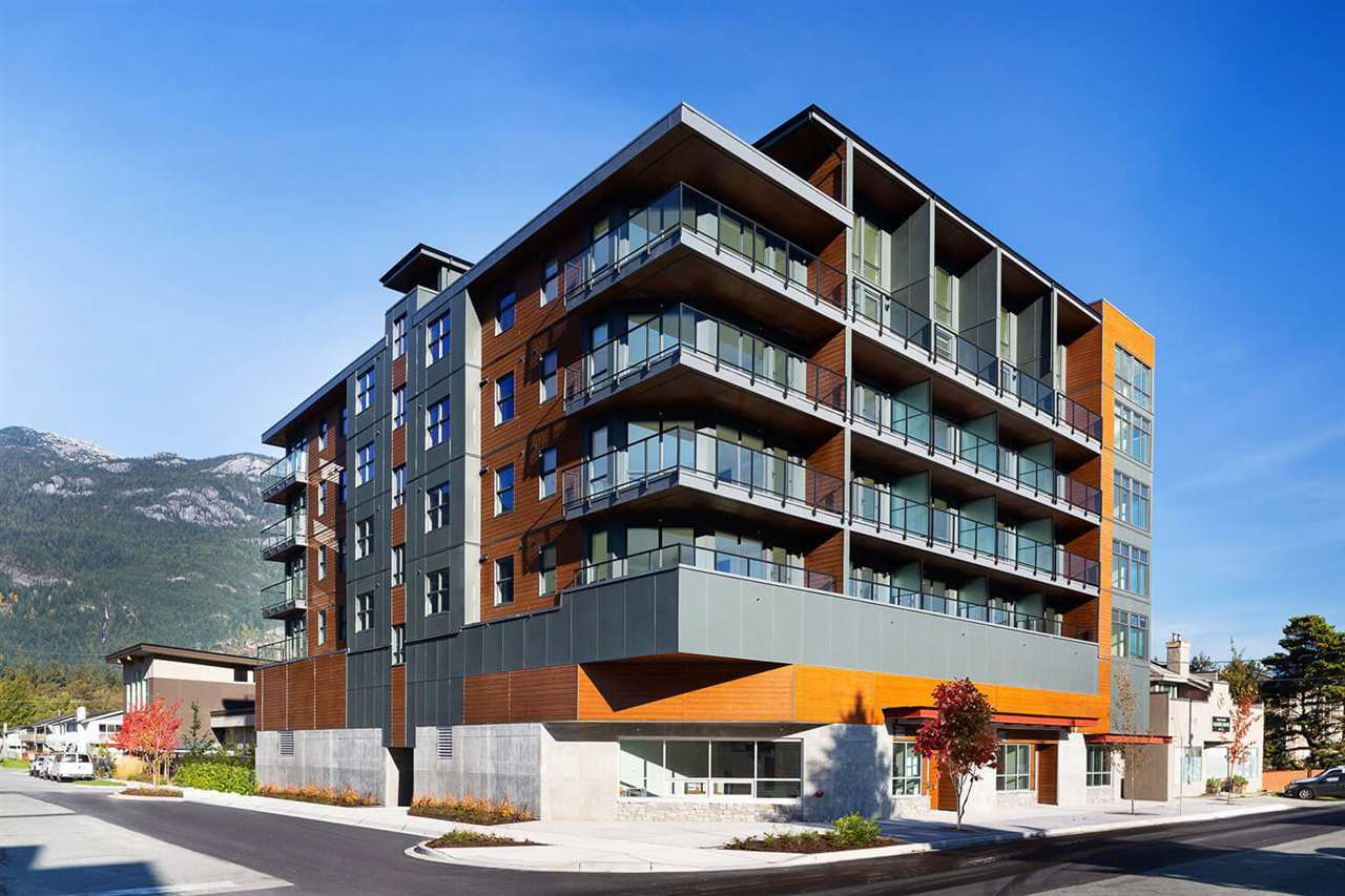 """Main Photo: 607 38013 THIRD Avenue in Squamish: Downtown SQ Condo for sale in """"THE LAUREN"""" : MLS®# R2415297"""