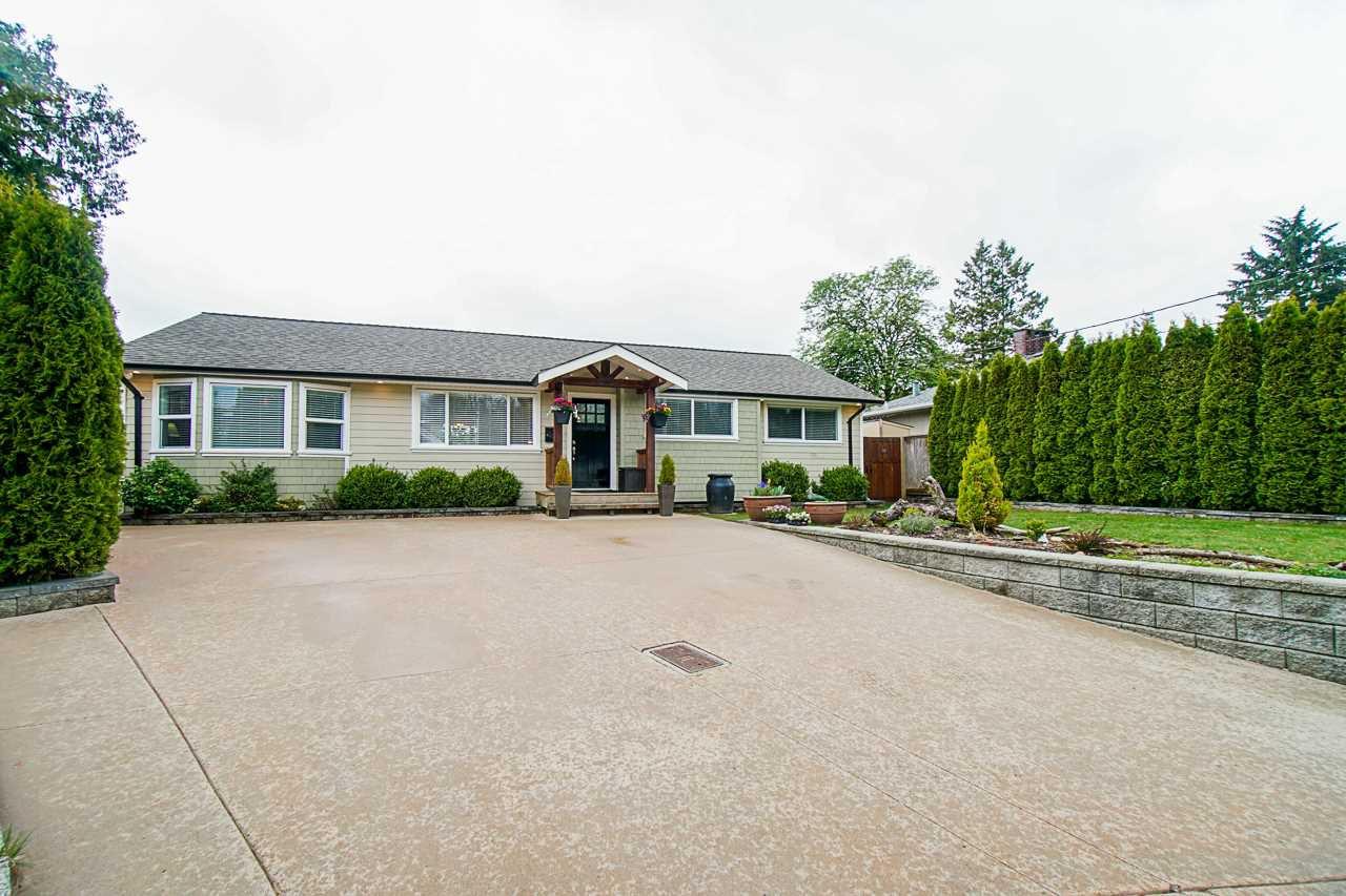 "Main Photo: 405 CULZEAN Place in Port Moody: Glenayre House for sale in ""GLENAYRE"" : MLS®# R2452147"