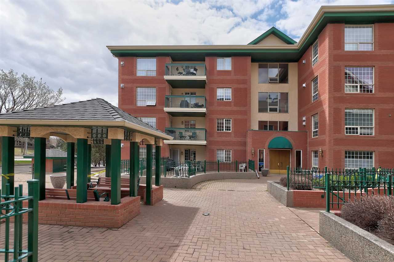 Main Photo: 202 35 SIR WINSTON CHURCHILL Avenue: St. Albert Condo for sale : MLS®# E4197001