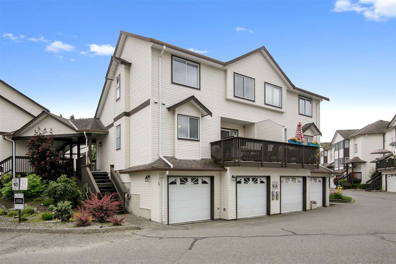 "Main Photo: 5 45740 THOMAS Road in Chilliwack: Vedder S Watson-Promontory Townhouse for sale in ""Riverwynn"" (Sardis)  : MLS®# R2485098"