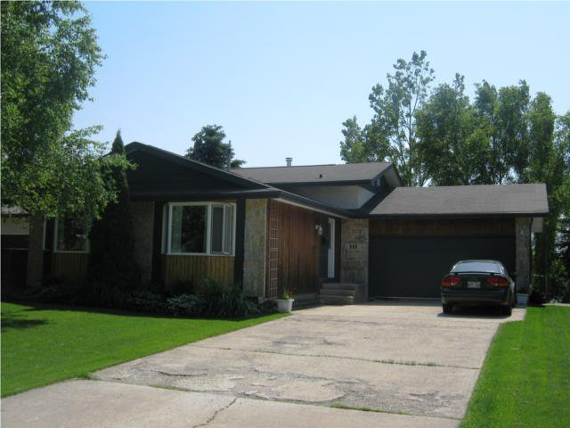 Main Photo: 111 SOUTHWELL Road in WINNIPEG: North Kildonan Residential for sale (North East Winnipeg)  : MLS®# 1011800