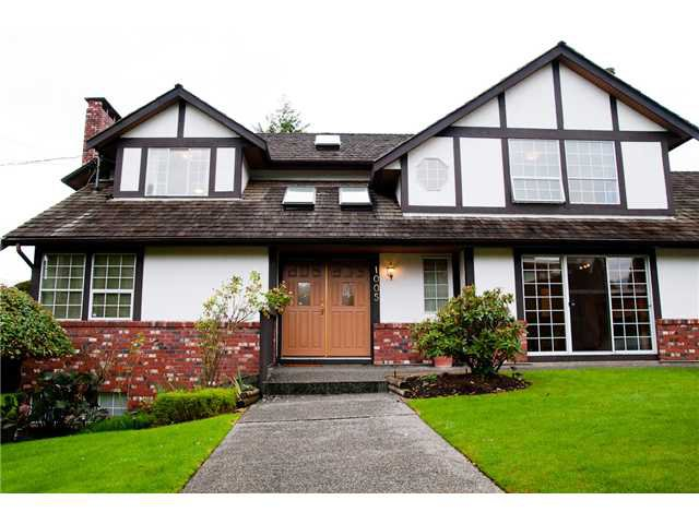 Main Photo: 1005 13TH Street in West Vancouver: Ambleside House for sale : MLS®# V853142